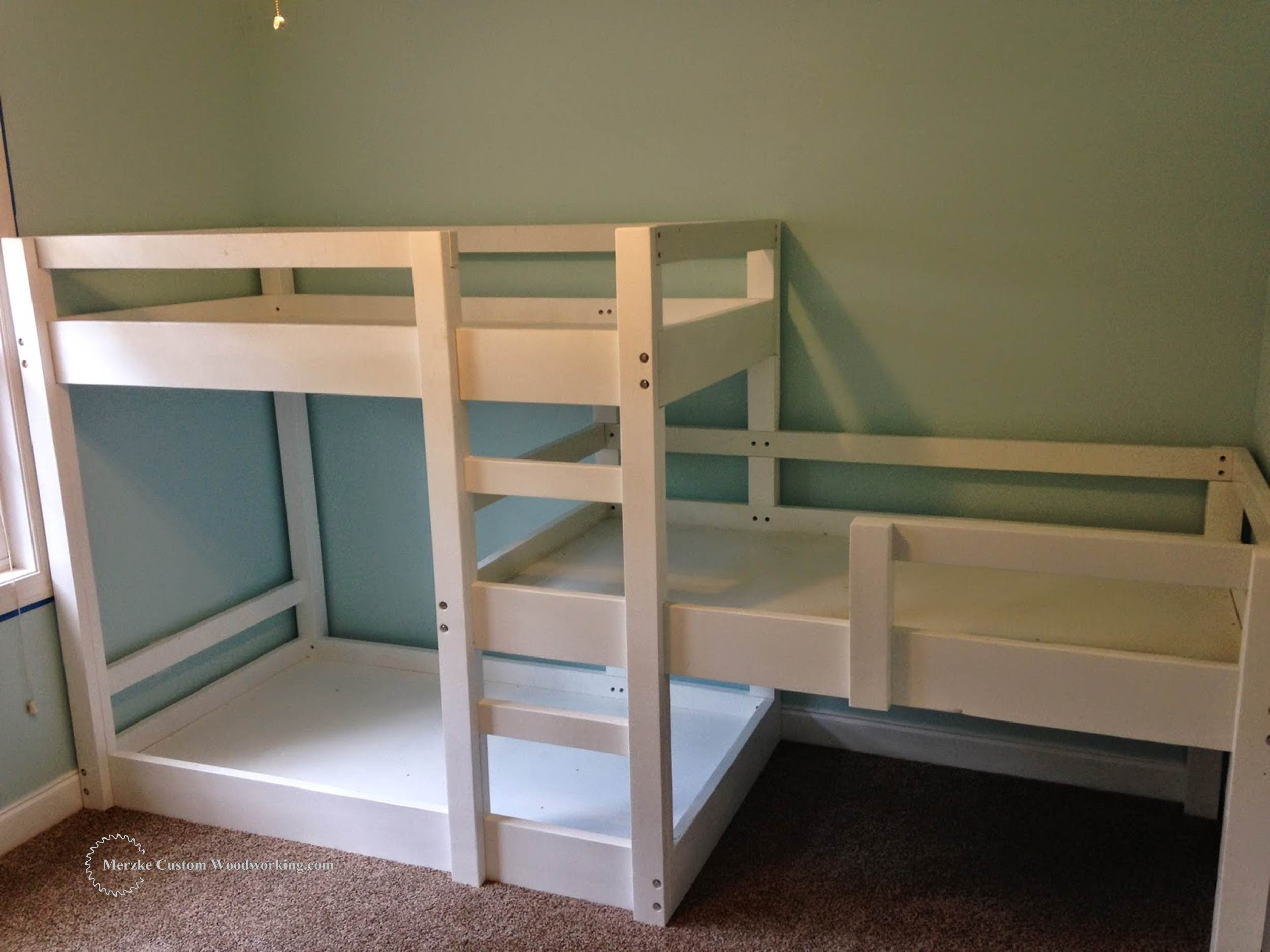 The triple bunk bed was a commission build. Below you will find a link ...